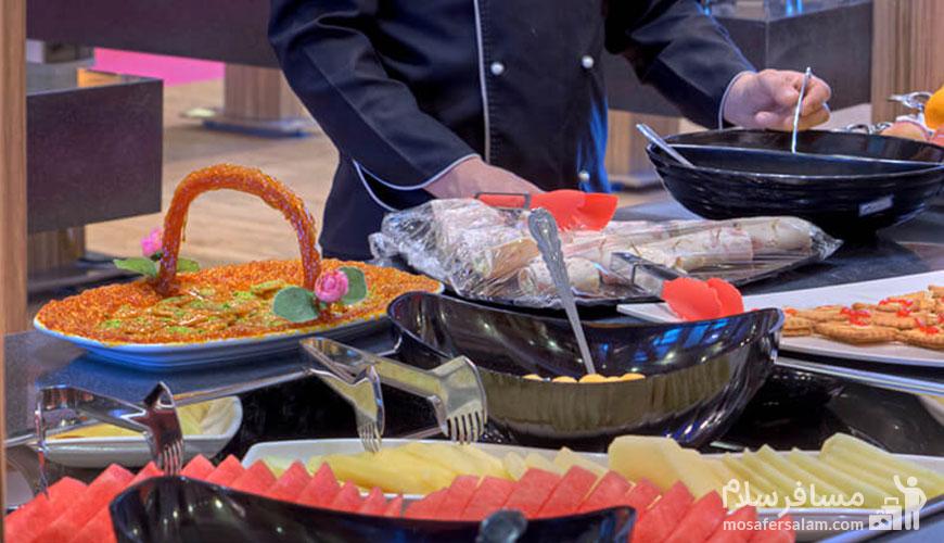 بوفه گرم صبحانه هتل درویشی