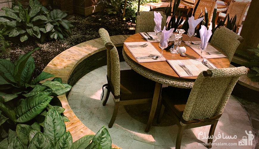 رستوران روف گاردن هتل درویشی