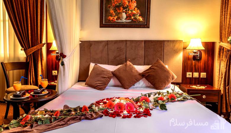 اتاق مخصوص عروس و دامادها در هتل درویشی