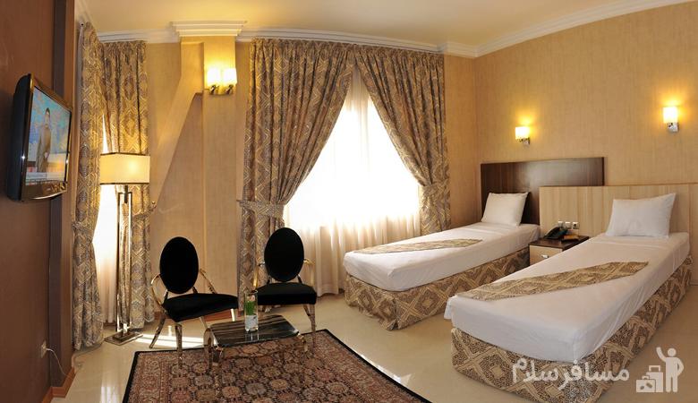 اتاق خواب هتل منجی مشهد