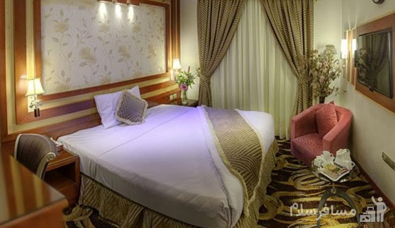 اتاق خواب در هتل منجی