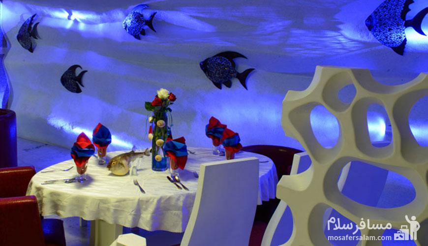 رستوران 5 قاره هتل قصر