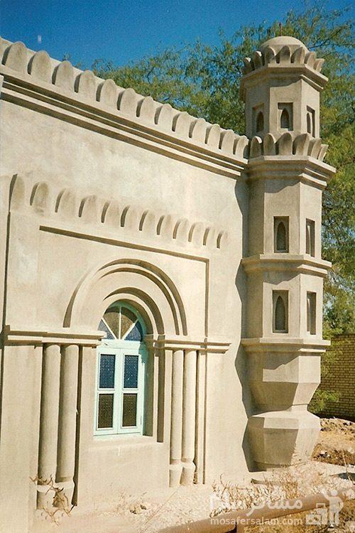 پنجره بیرونی مسجد رنگونی ها