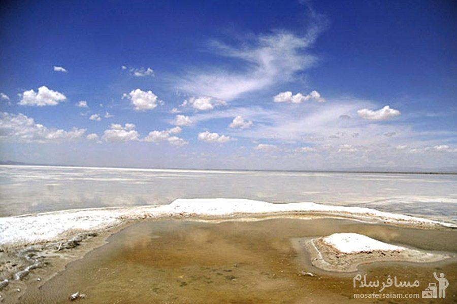 لایه های نمکی در تالاب میقان