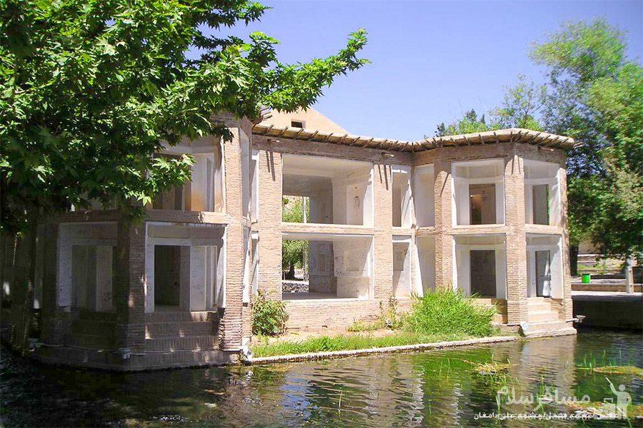 نمایی زیبا از ساختمان چشمه علی