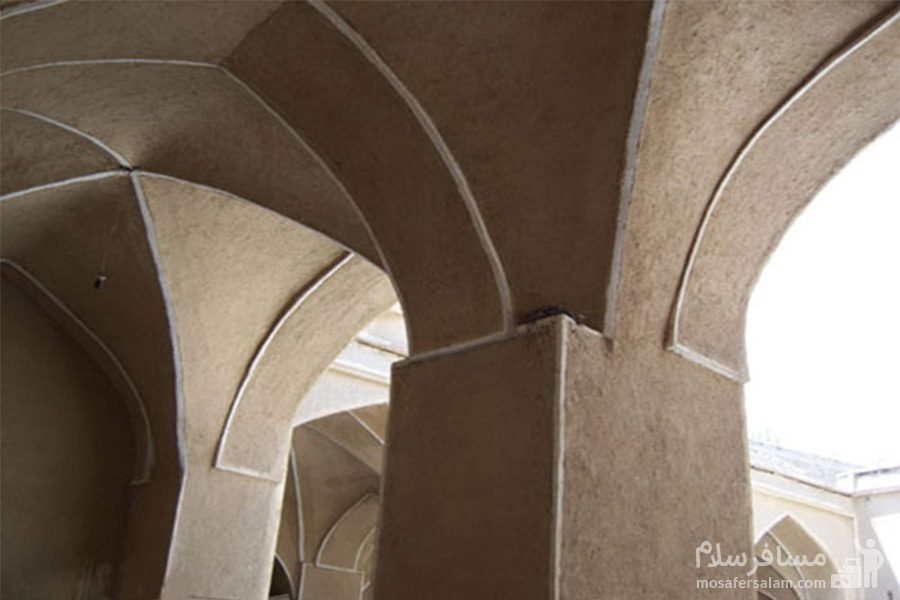 معماری مدرسه موسویه