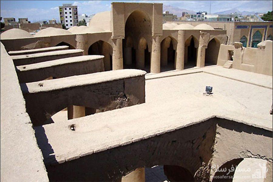 مسجد تاریخانه از نمایی دیگر