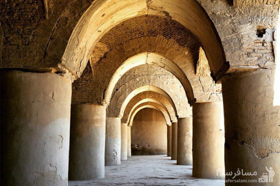 راهرو رواق های مسجد تاریخانه