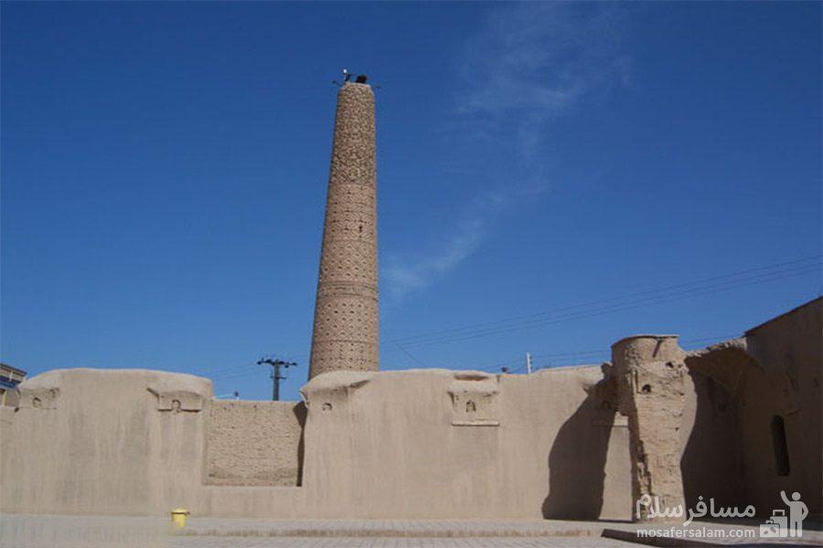 مناره مسجد تاریخانه دامغان