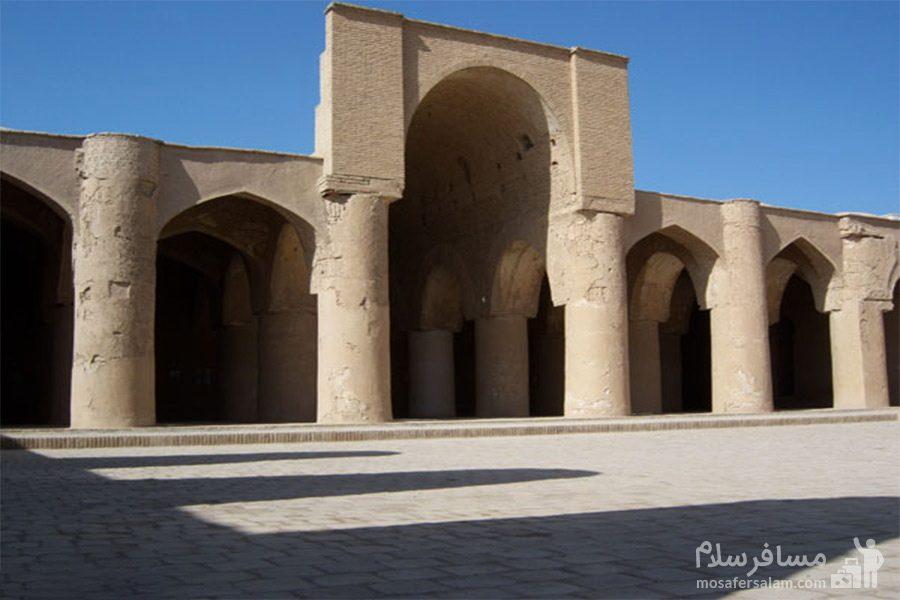 رواق مسجد تاریخانه