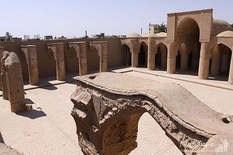 آثار باقیمانده از مسجد تاریخانه