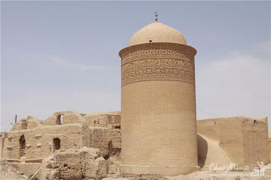 نمای از برج پیر علمدار