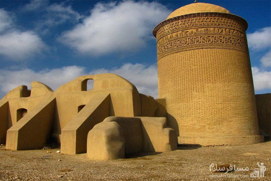 برج پیر علمدار واقع دز شهر دامغان