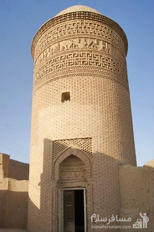 ورودی برج پیر علمدار