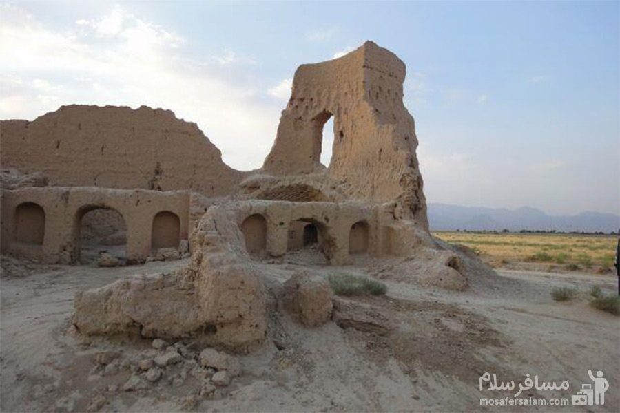 تپه حصار-بنا تاریخی