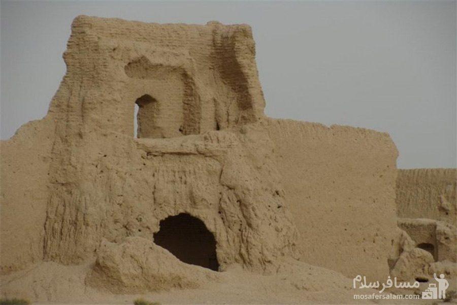 تپه حصار-آثار تاریخی