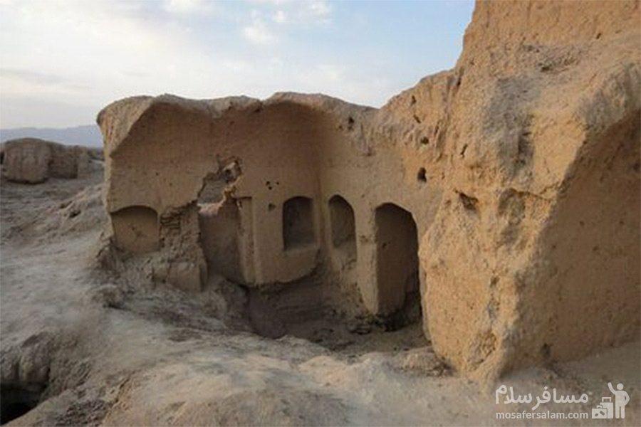 تپه حصار-جاذبه تاریخی