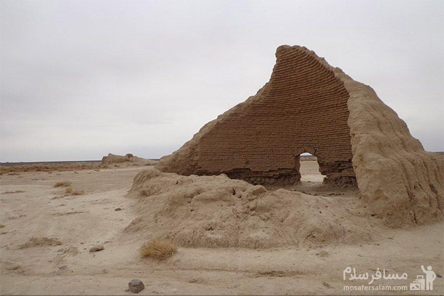 بنای تاریخی شهر دامغان-تپه حصار