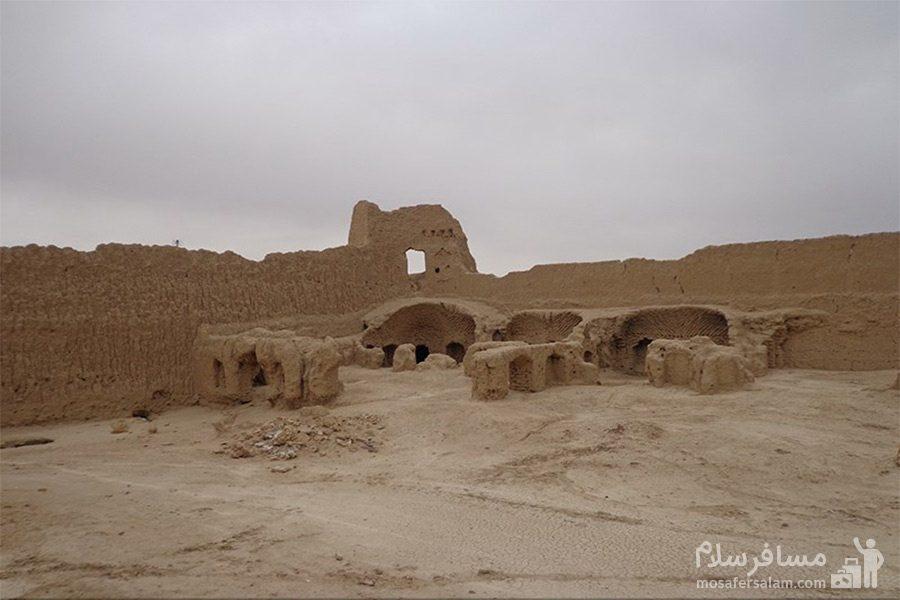 تصویری از تپه حصار