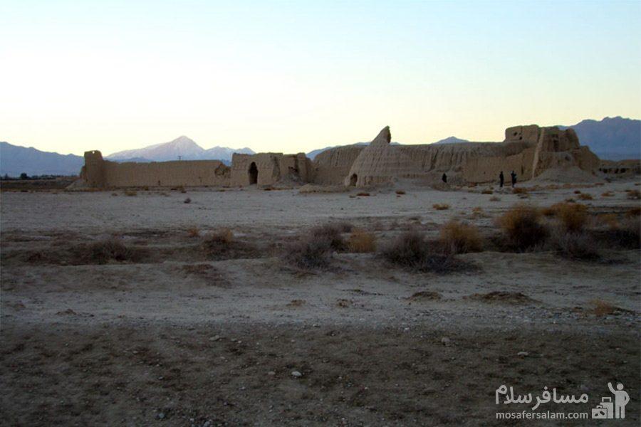 عکس تپه حصار