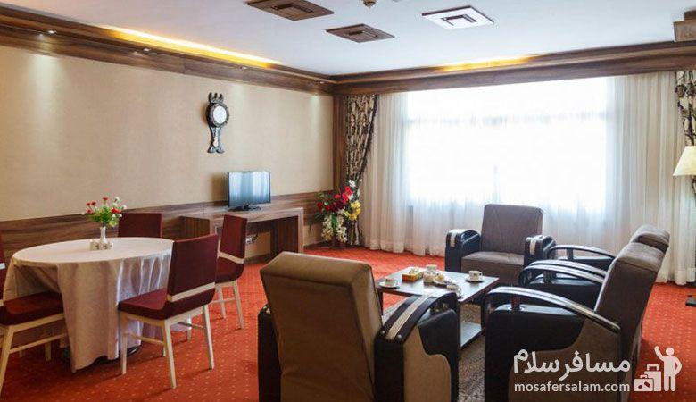 رستوران هتل خورشید تابان