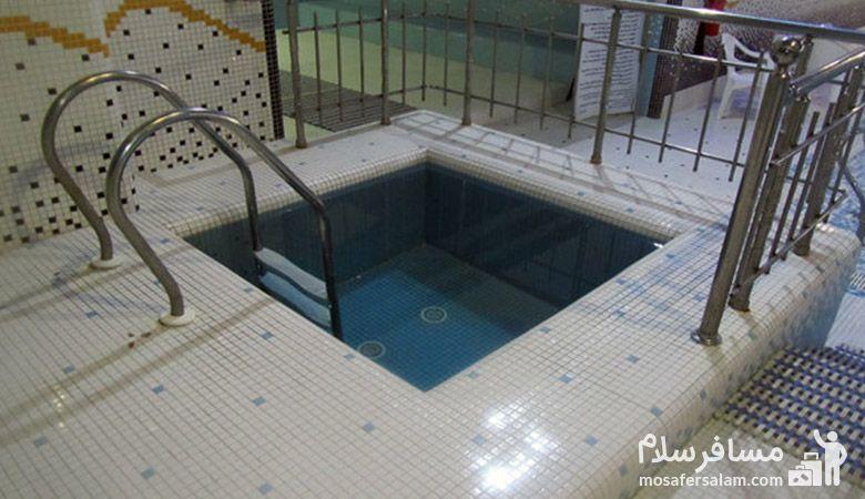 حوضچه آب سرد هتل خورشید تابان