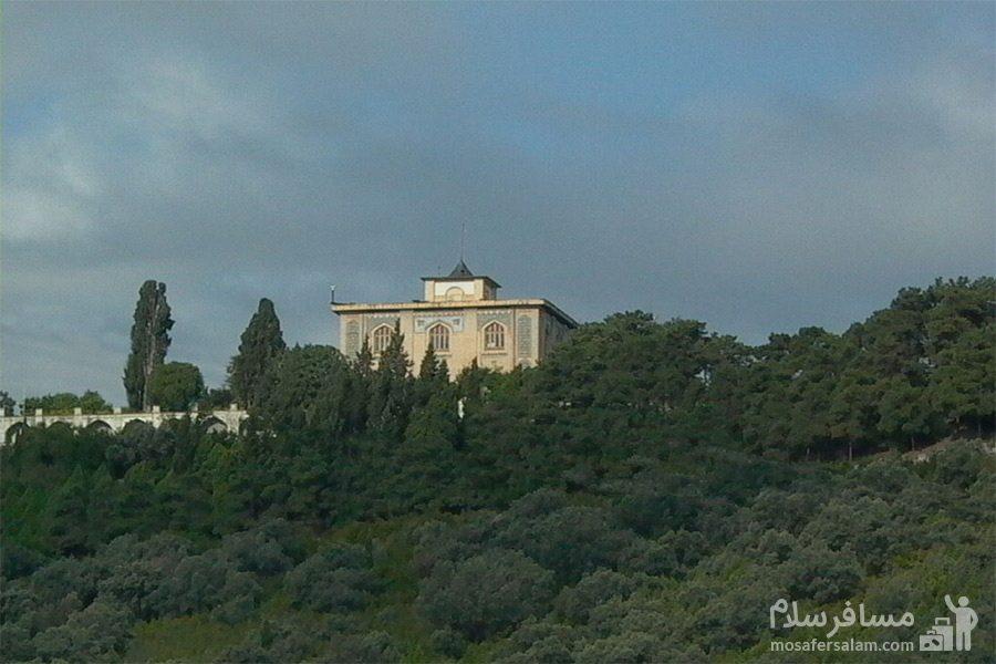 کاخ زیبا صفی آباد در ارتفاعات