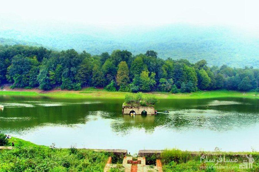 هارمونی رنگ دریاچه عباس آباد