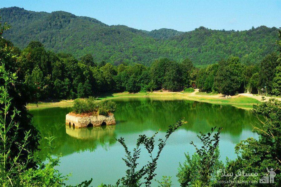 زیبایی های دریاچه عباس آباد