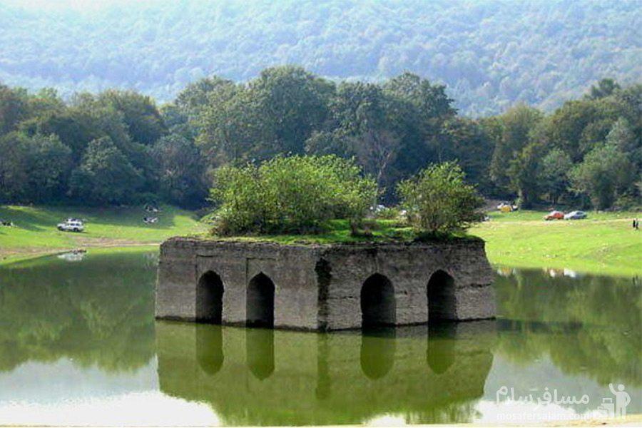عمارت تاریخی دریاچه عباس آباد