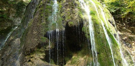 آبشار سمبی و طبیعت بکر آن