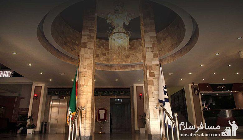 Ferdowsi-Hotel-in-Mashhad، ورودی هتل فردوسی مشهد، هتل بزرگ فردوسی مشهد