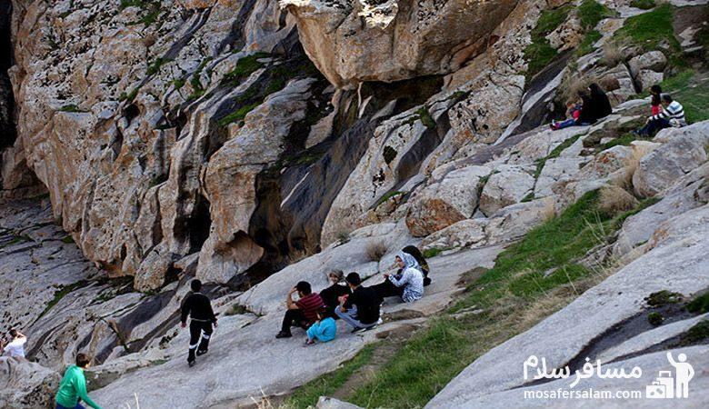 استقبال مردم از هفت حوض مشهد
