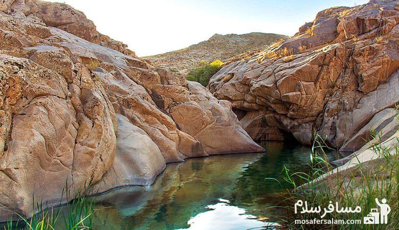 تصویری زیبا از هفت حوض مشهد
