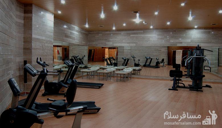 سالن ورزشی هتل بین المللی شهریار