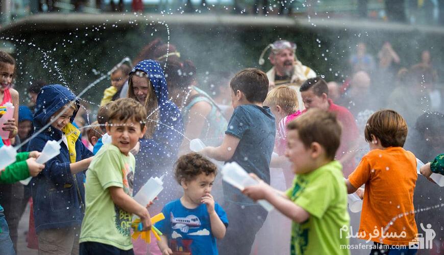 آب بازی بچه ها, جشن آب پاشونک