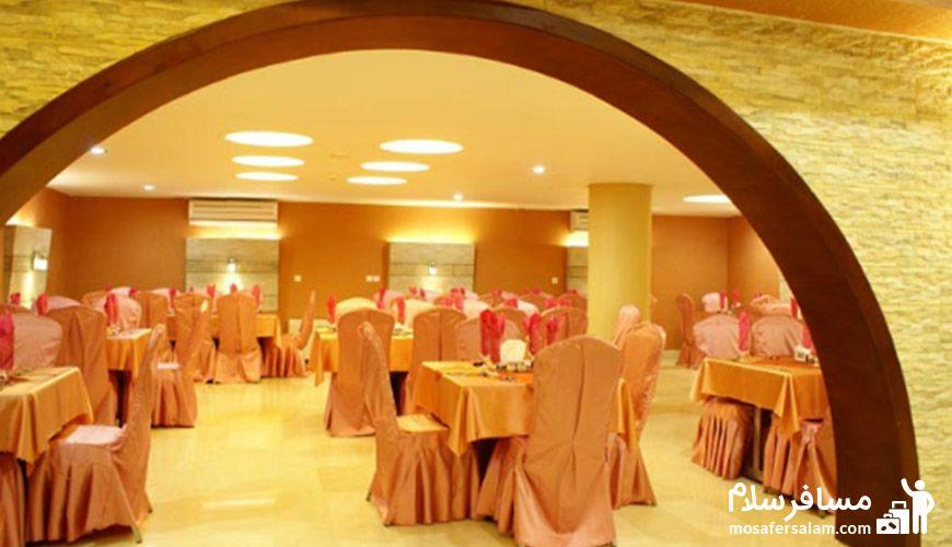 نمایی دیگر از رستوران هتل عماد مشهد