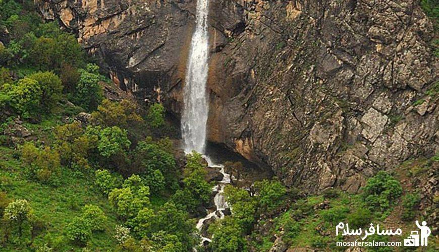 منظره ای زیبا از آبشار گویله
