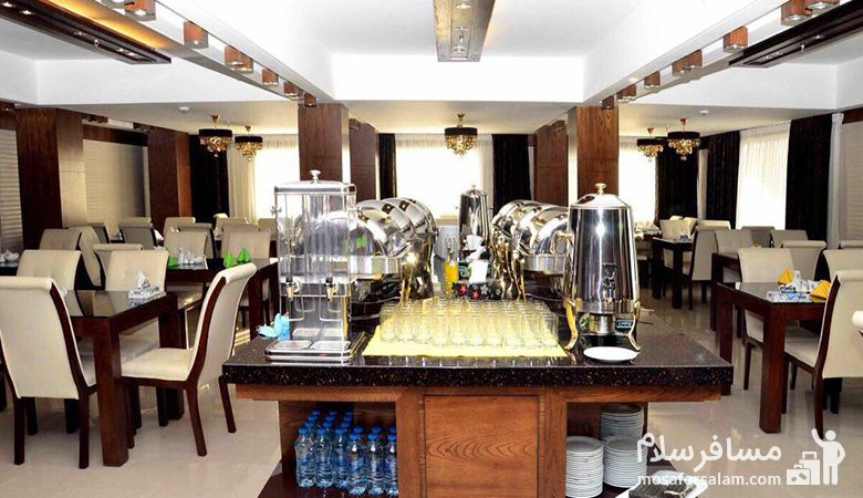 رستوران هتل جواهر شرق، هتل جواهر شرق مشهد، رزرواسیون مسافرسلام