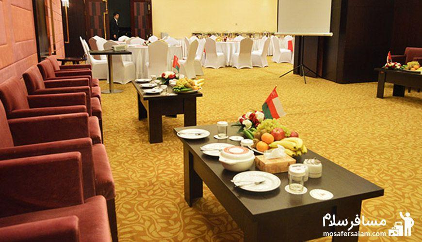 تالار زمرد هتل پارسیان آزادی