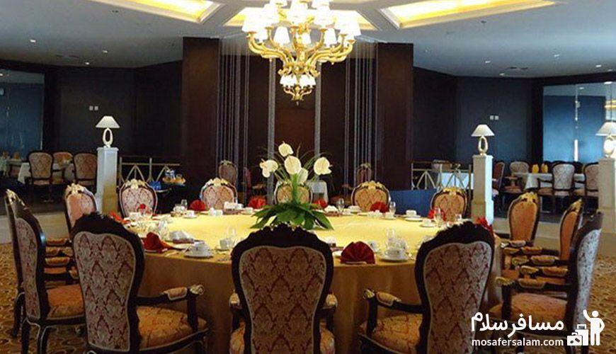 تالار پانیذ هتل پارسیان آزادی