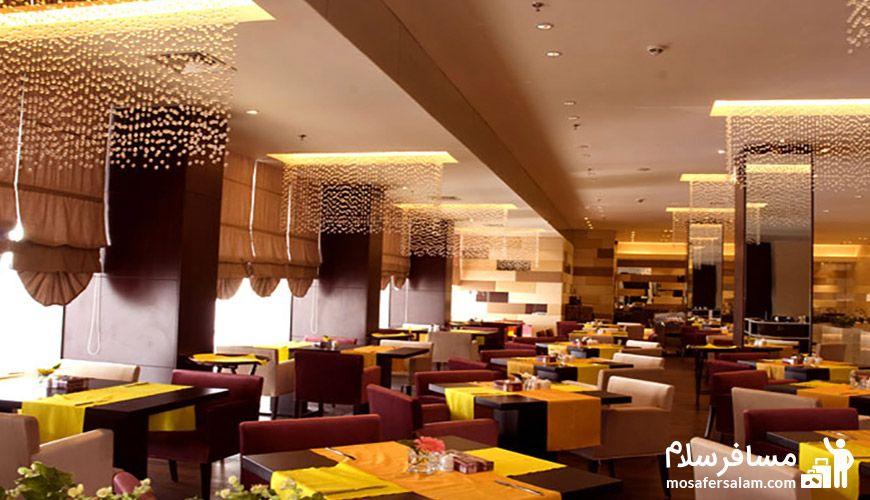 رستوران ارکیده هتل پارسیان آزادی