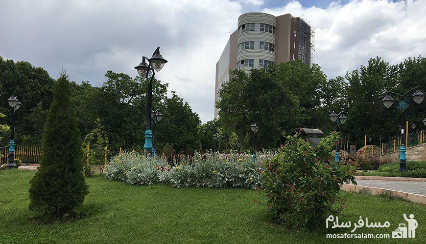 باغ تمشک طرقبه