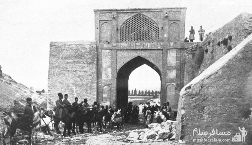 دروازه اصفهان، نام یکی از دروازه های شیراز