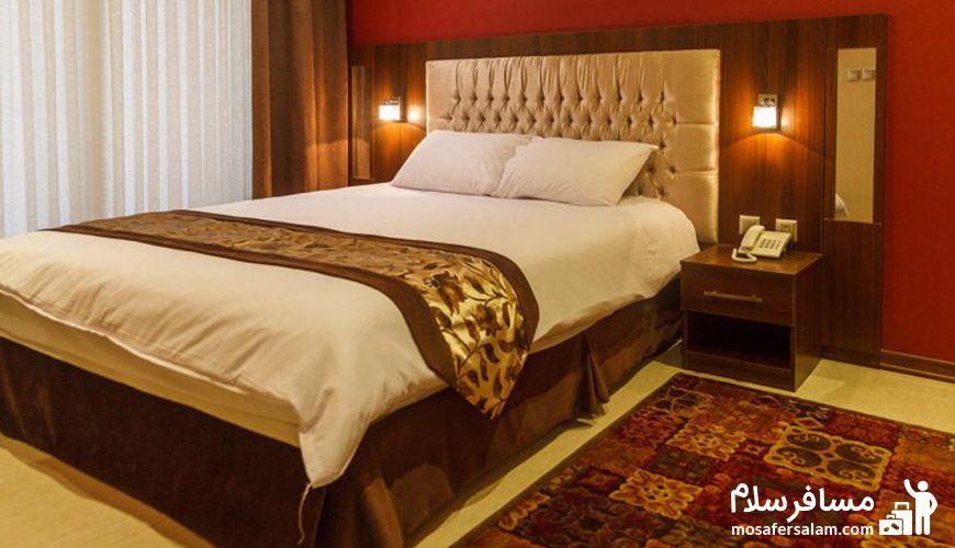 اتاق هتل سیمرغ فیروزه
