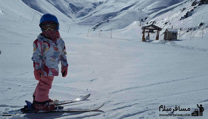 تصویر زیبا از اسکی کودک