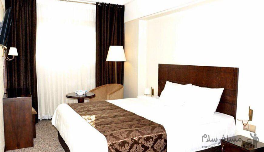 اتاق دوتخته دبل هتل جواهر شرق