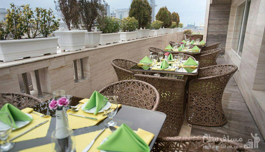 فضا کافی شاپ هتل جواهر شرق مشهد