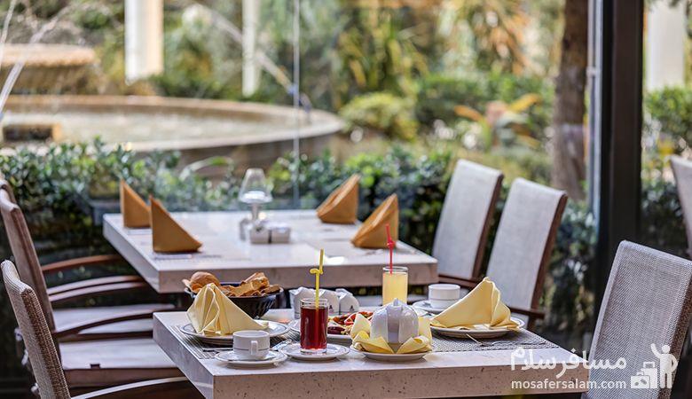 رستوران شیک هتل انقلاب، رزرواسیون مسافرسلام