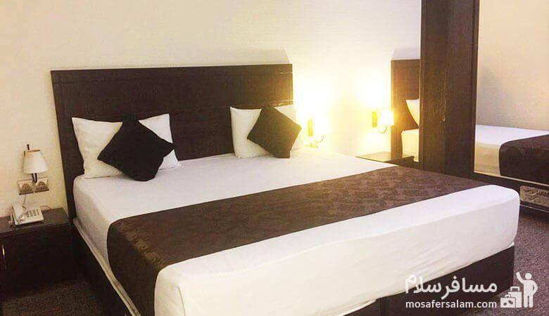 اتاق خواب هتل جواهرشرق